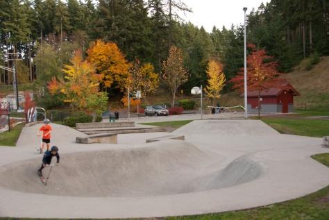 Lynndale Skate Park skateboard area sporting fall colors